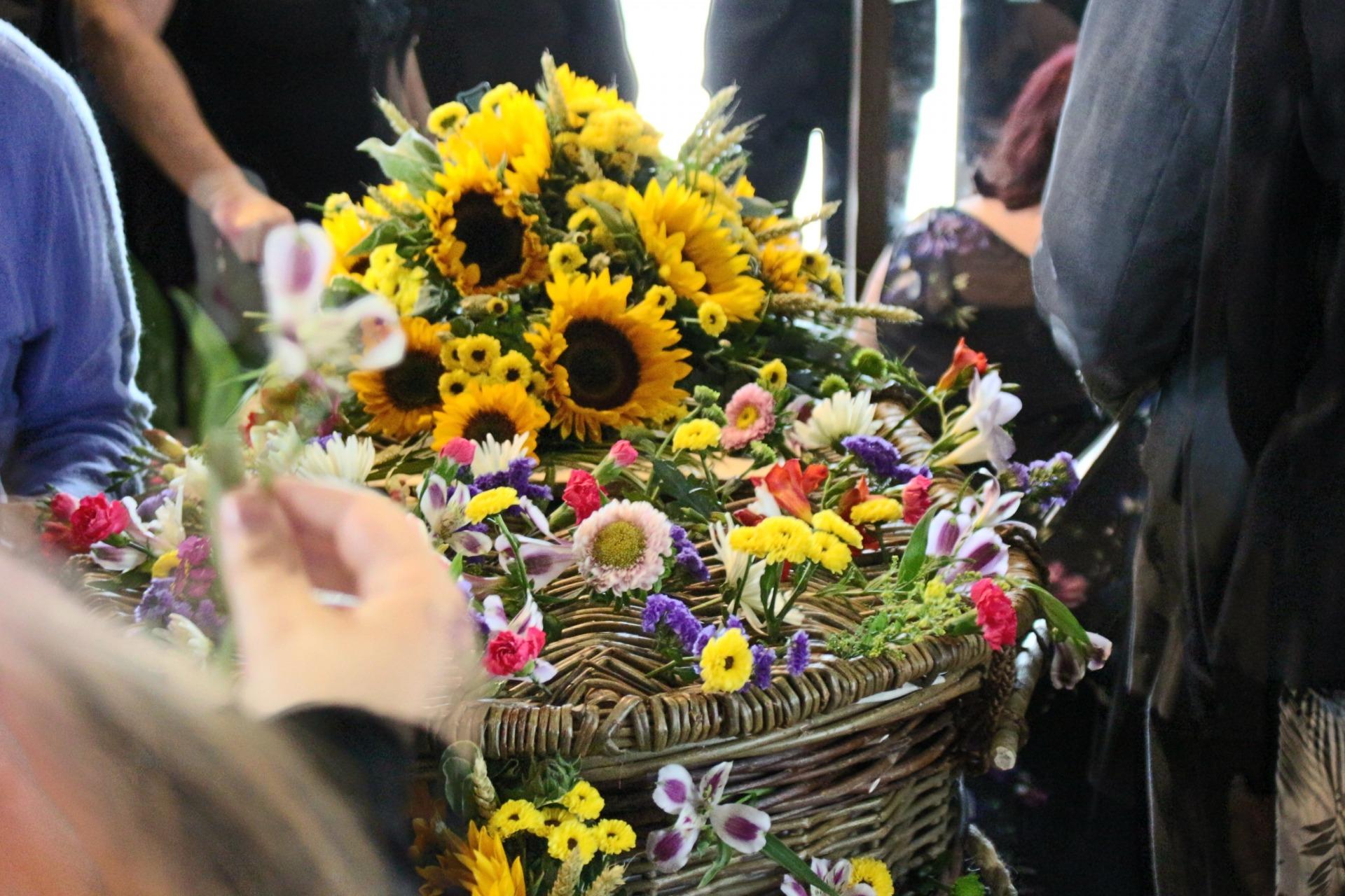 DIY Funeral Arrangements, Flower, Favours